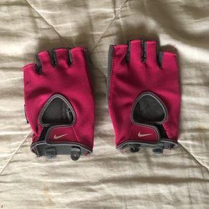 Nike workout gloves